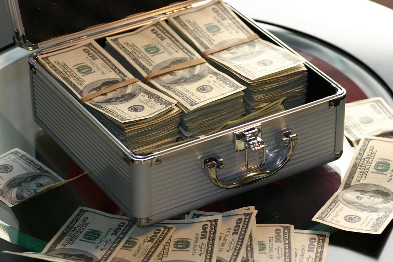 Bagaimana cara perusahaan asuransi menghasilkan uang