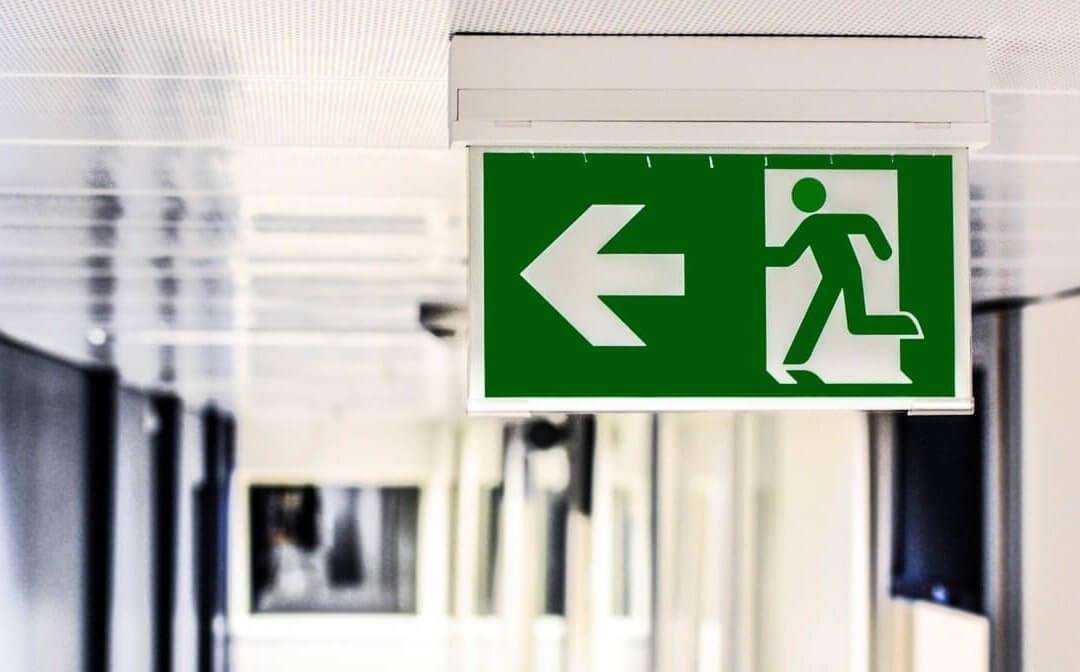 Beberapa pertimbangan mengapa anda wajib menabung untuk dana darurat
